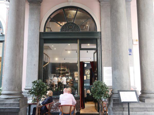 ギャルリーサンチュベールのレストランLeMarmitonの外観