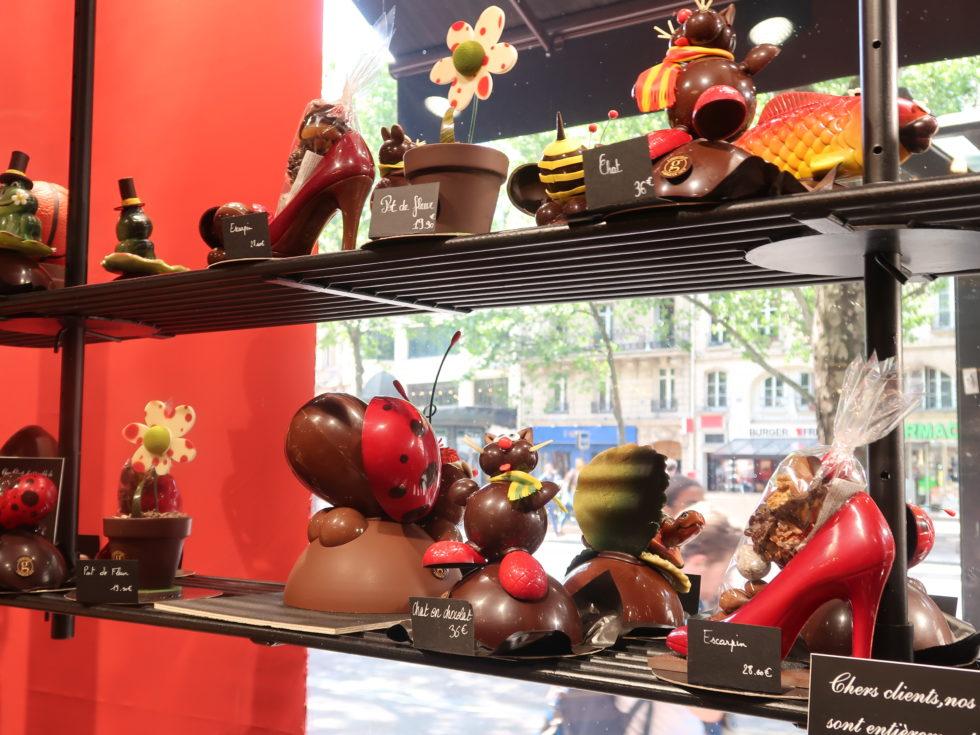 パリのサンジェルマン通りにあるメゾンジョルジュラルニコルのチョコレート細工