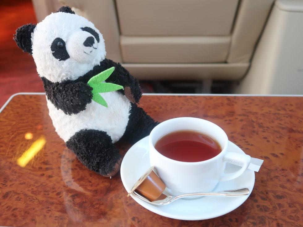 JAL国内線ファーストクラスの紅茶