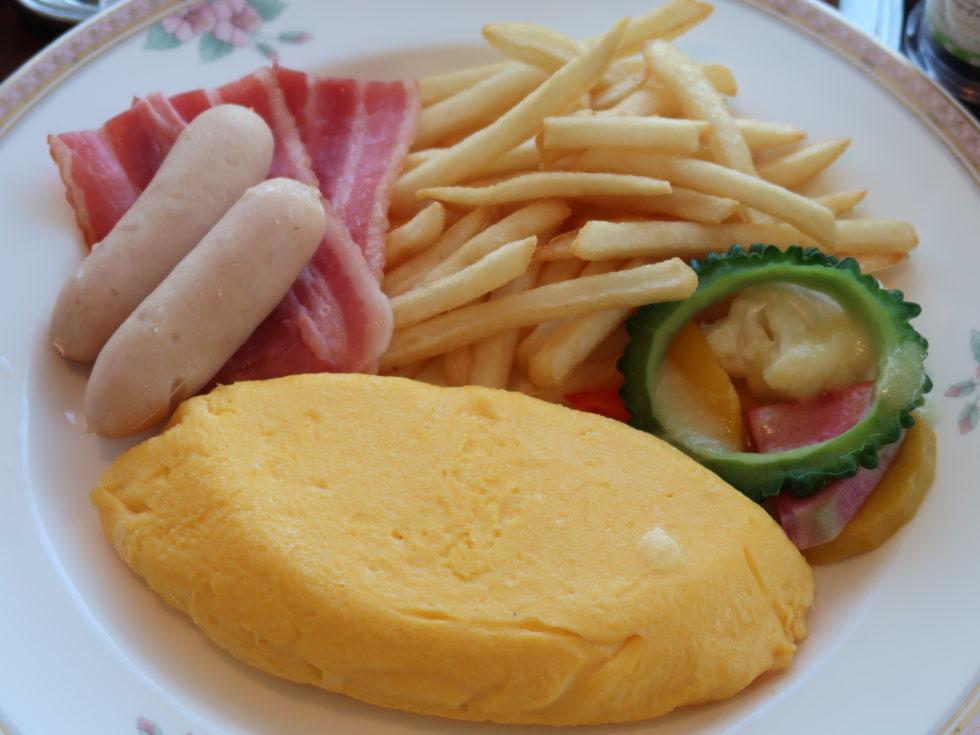 シェラトン沖縄サンマリーナリゾートの朝食ルームサービスのオムレツ