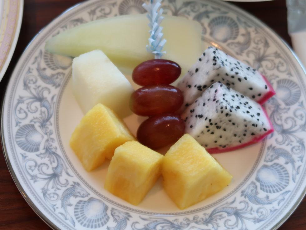 シェラトン沖縄サンマリーナリゾートの朝食ルームサービスのフルーツ
