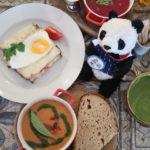 モスクワにあるベーカリーカフェ「フレブナスシニ」の朝ごはん