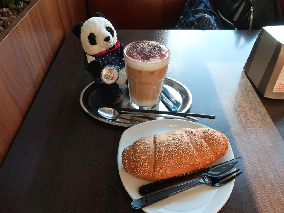 モスクワの空港で食べたサンドイッチ