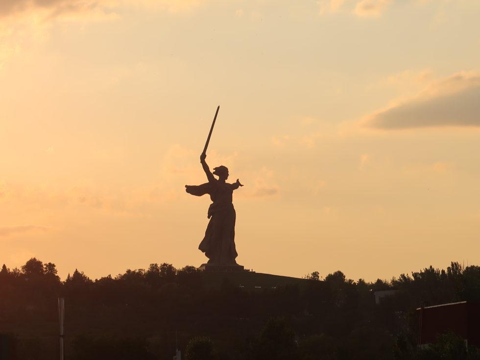 ロシアのヴォルゴグラードのママエフの丘にある母なる祖国像