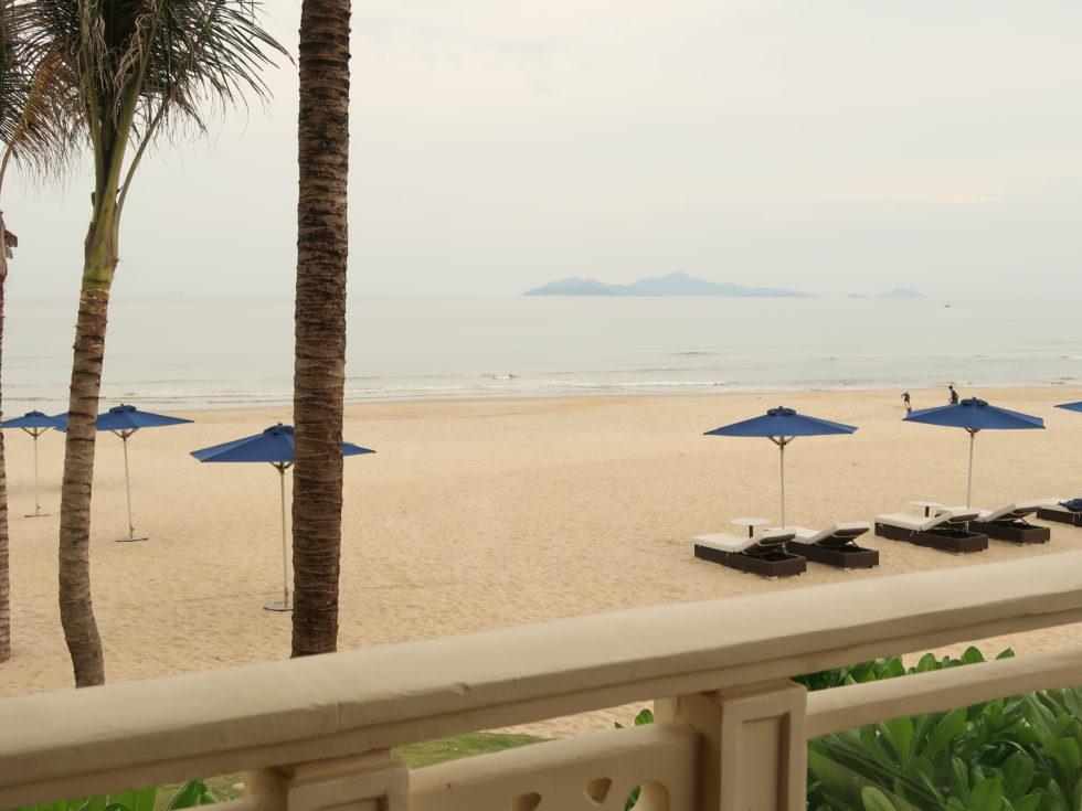 ベトナムのシェラトングランドダナンリゾートのビーチ