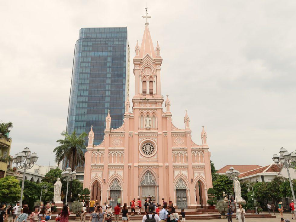 ベトナムのピンクで可愛いダナン大聖堂