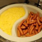 成田空港のJALサクララウンジの朝食