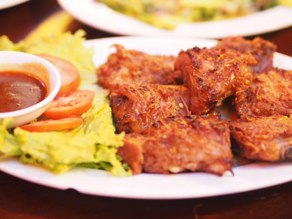 ベトナムダナンのマダムランレストランで食べたバーベキューポークリブ