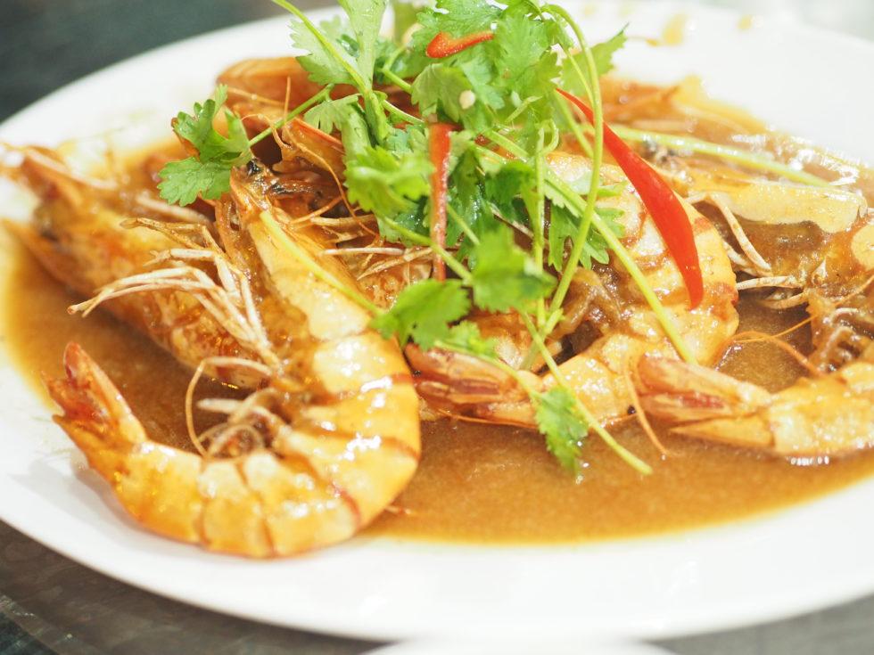 ベトナムダナンのシーフードレストランハイサイベナンBの海老料理