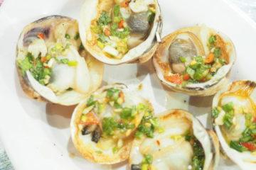 ベトナムダナンのシーフードレストランハイサイベナンBの蛤のレモングラス蒸し