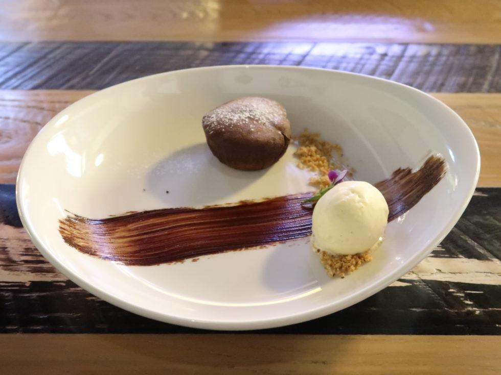 オークランドのイタリアンレストランViVaで食べたフォンダンショコラ