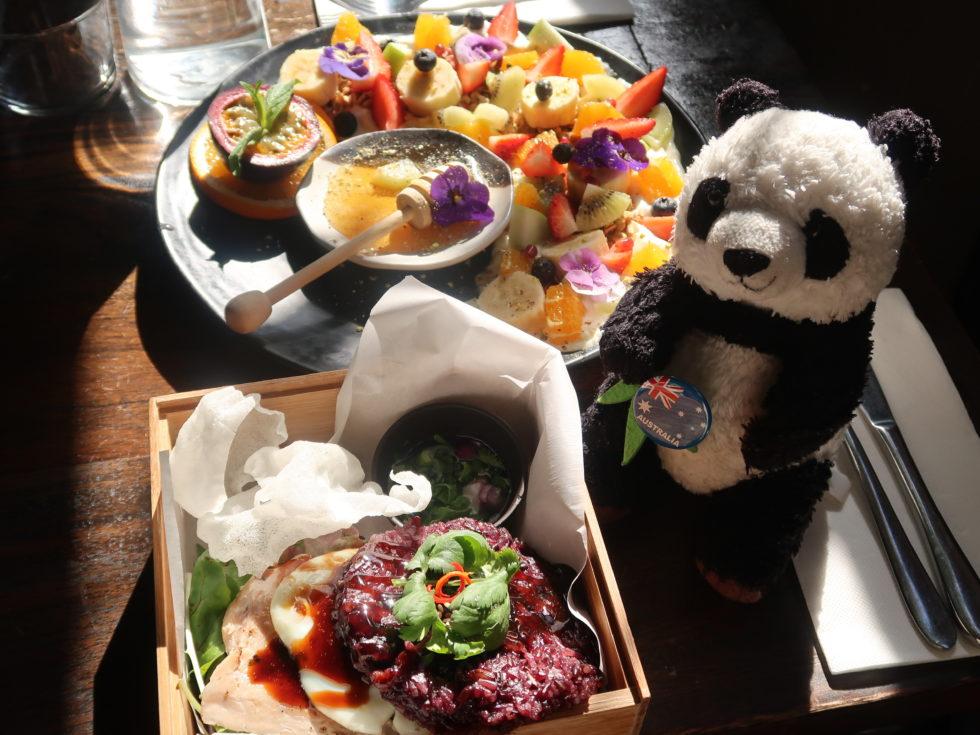 オーストラリアのシドニーにあるCALABURカフェでランチ