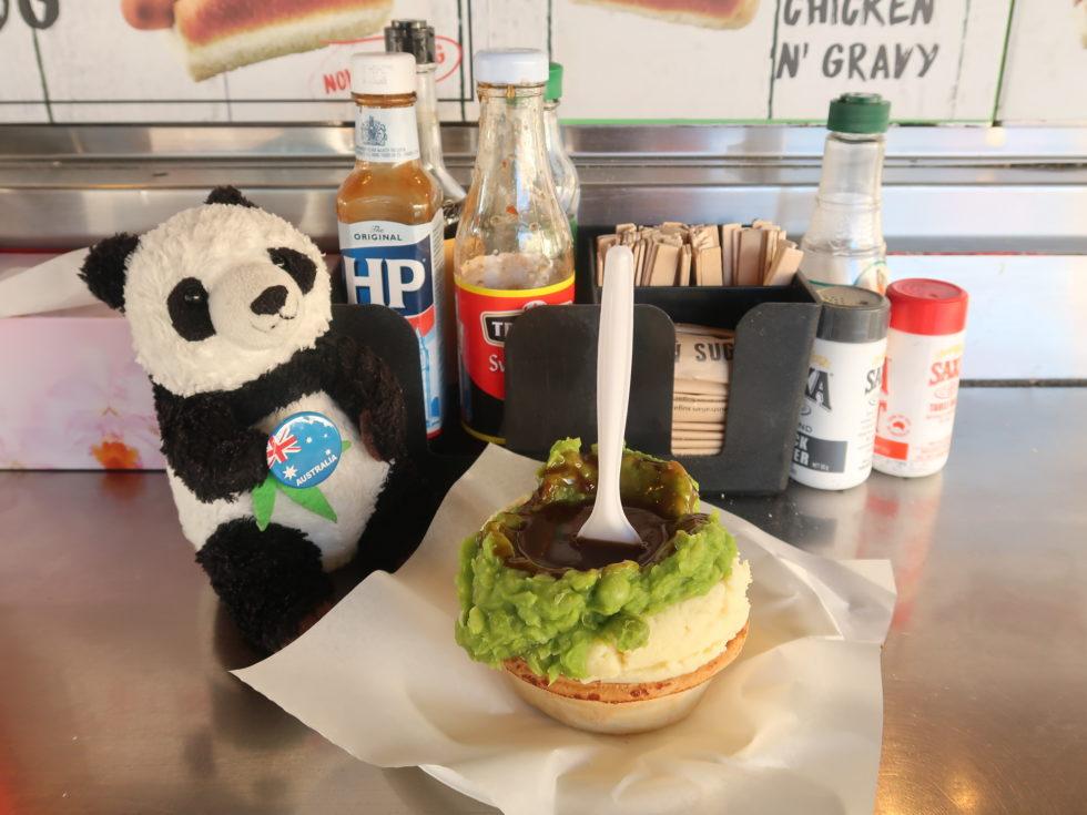 オーストラリアのシドニーにあるハリーズカフェドホイールの名物ミートパイ