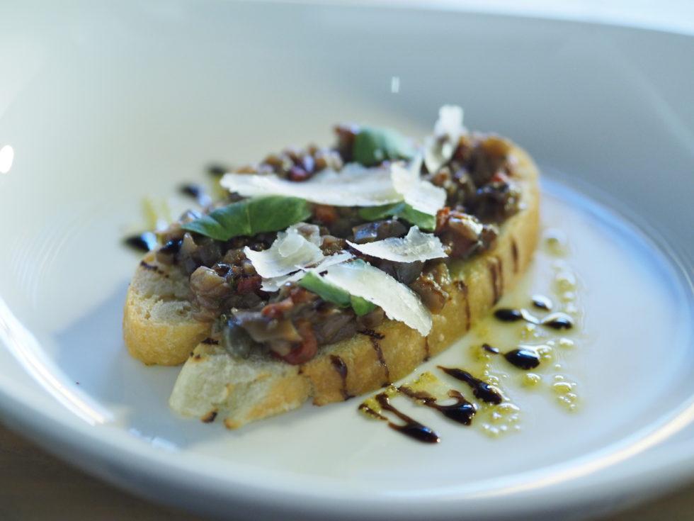 オークランドのイタリアンレストランViVaで食べた茄子のカポナータ