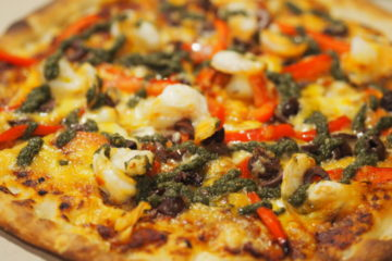 フォーポイントバイシェラトンオークランドフォーポイントバイシェラトンオークランドのルームサービスで食べたピザ