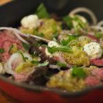 オークランドのレストランカルペパーのハラミ肉ステーキ