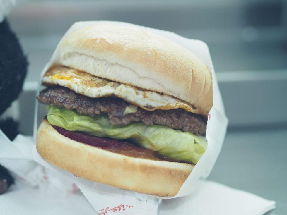 オークランドのホワイトレディのハンバーガー
