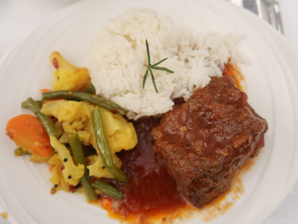 マレーシア航空ビジネスクラス機内食のビーフ