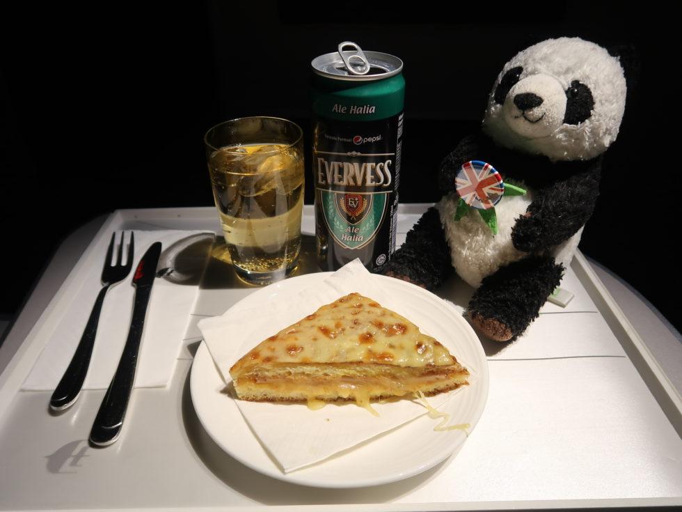マレーシア航空ビジネスクラス機内食のサンドイッチ