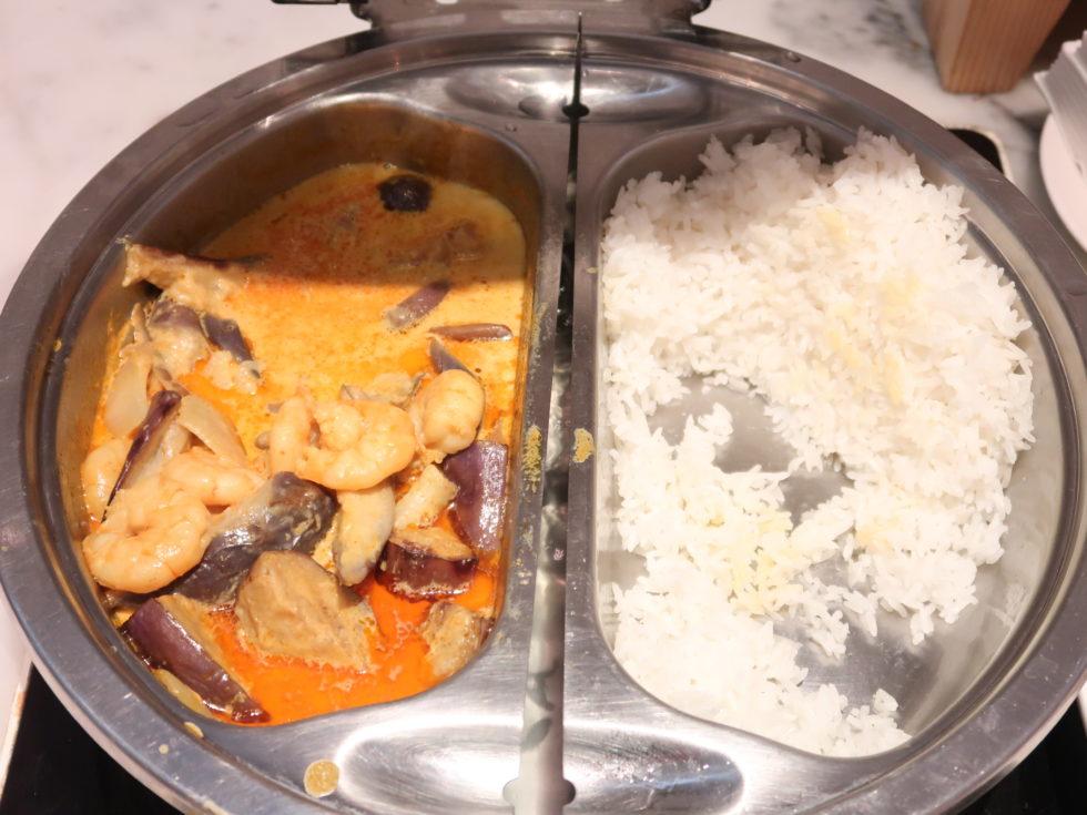 香港国際空港キャセイパシフィックファーストクラスラウンジTHE WINGの食事