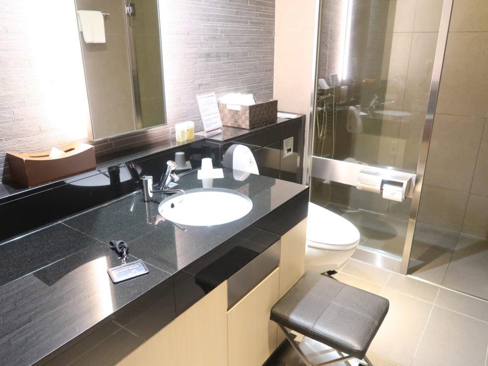 羽田空港国際線ANAスイートラウンジのシャワールーム