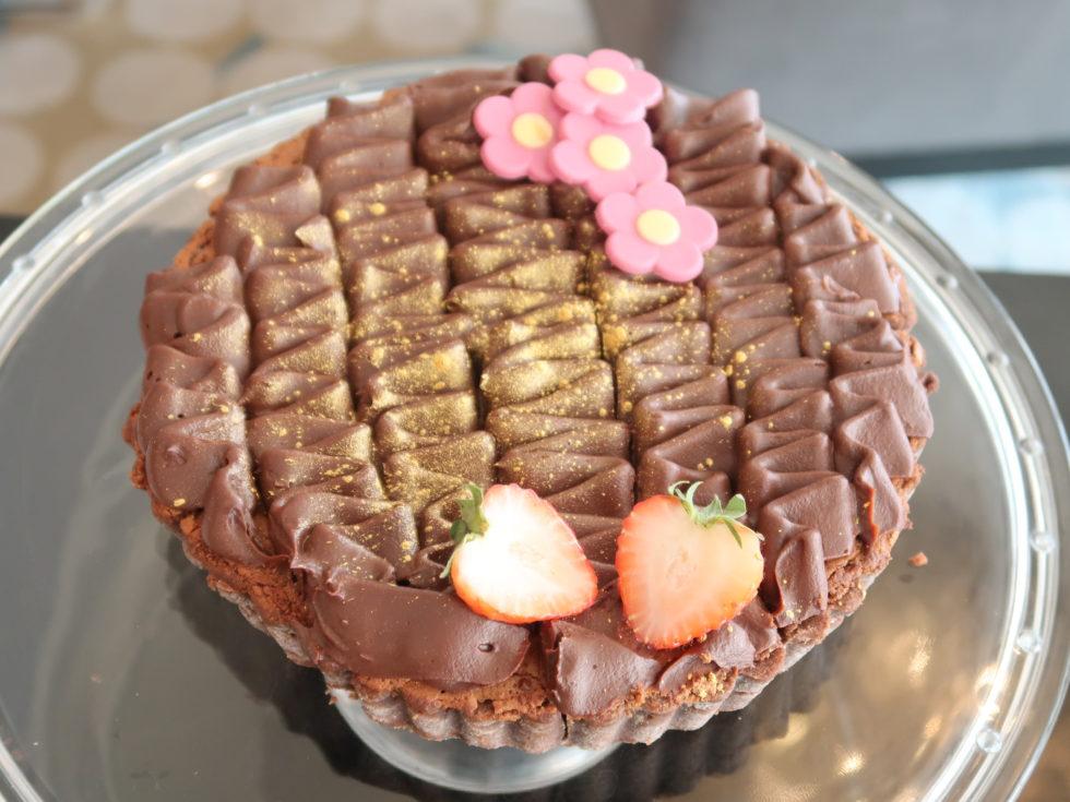 ウェスティンクアラルンプールのクラブラウンジでティータイムに提供されたチョコケーキ