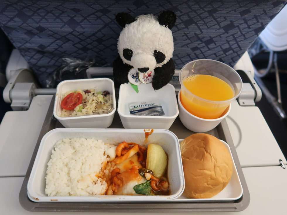 キャセイパシフィック航空エコノミークラスの機内食