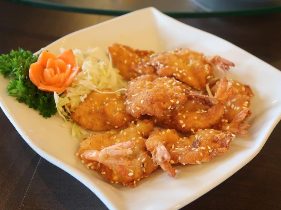 バリにあるディスカバリーショッピングモールの中華レストランTaWanのエビフライ