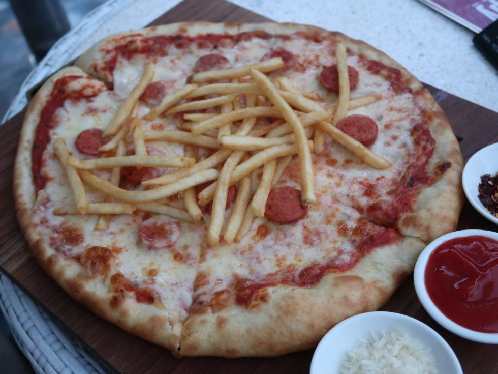 スイムアッププールバーのピザ