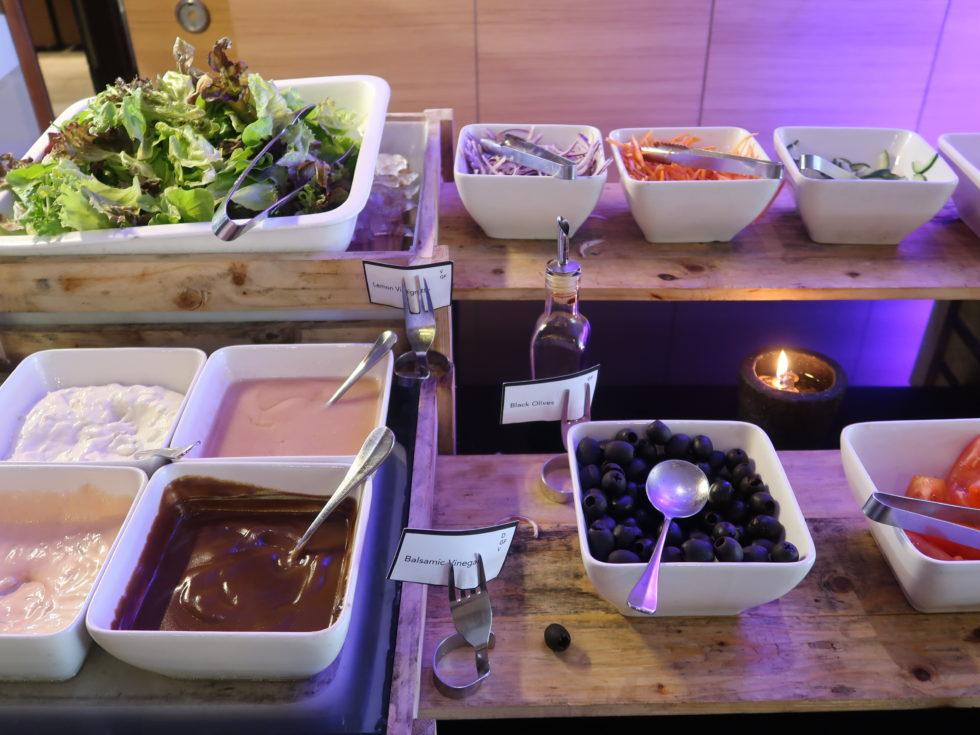 ザストーンズホテルレギャンバリオートグラフコレクション朝食ビュッフェのサラダ