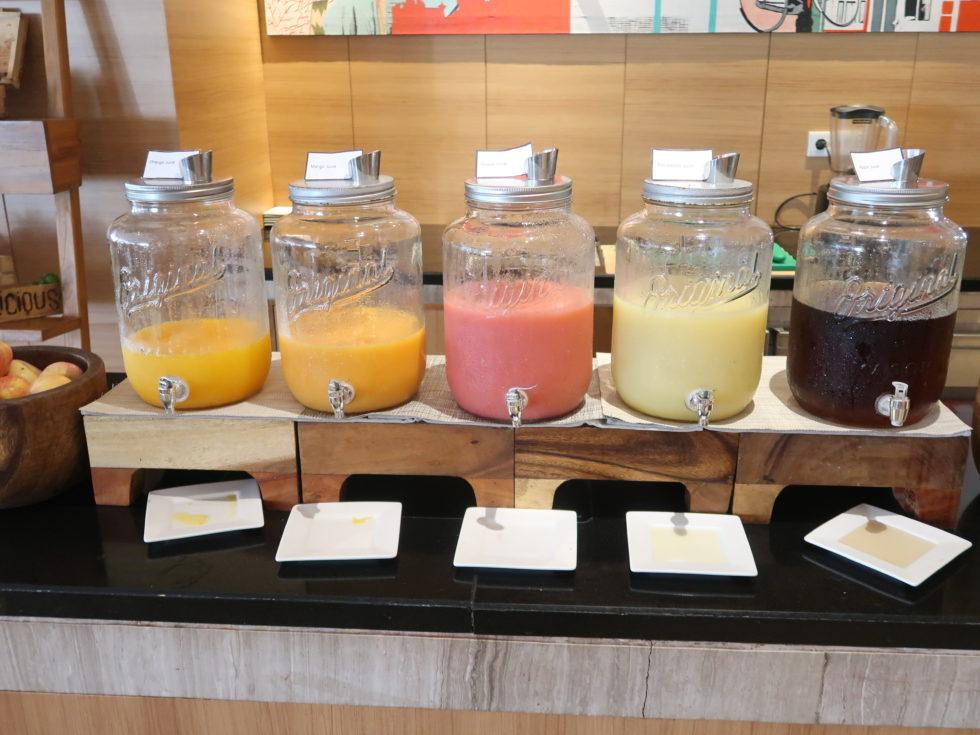 ザストーンズホテルレギャンバリオートグラフコレクション朝食ビュッフェのジュース