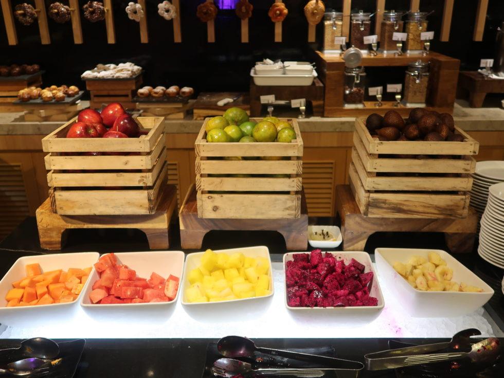 ザストーンズホテルレギャンバリオートグラフコレクション朝食ビュッフェのフルーツ