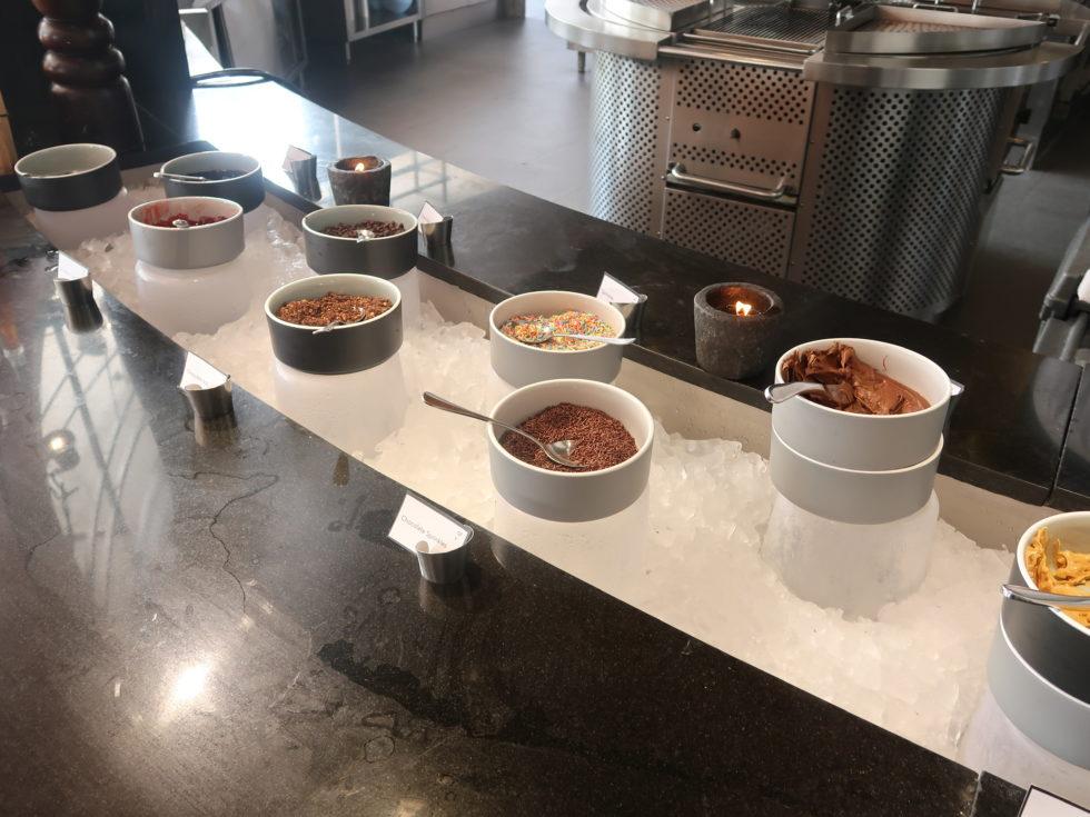 ザストーンズホテルレギャンバリオートグラフコレクション朝食ビュッフェのスイーツトッピング