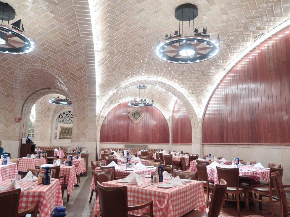 ニューヨークのグランドセントラルオイスターバー店内