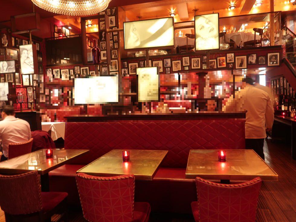 ニューヨークのステーキ屋さんストリップハウスミッドタウンの店内