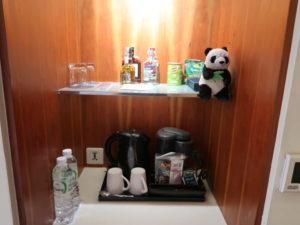 バンコクにあるロイヤルオーキッドシェラトンホテル&タワーズの客室ティーセット