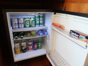 バンコクにあるロイヤルオーキッドシェラトンホテル&タワーズの客室冷蔵庫
