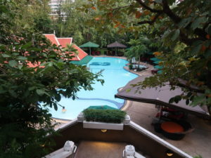 バンコクにあるロイヤルオーキッドシェラトンホテル&タワーズのプール